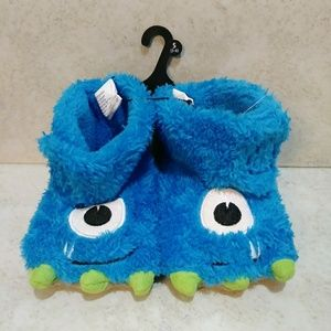 Other - Fuzzy Claw Foot Slippers For Toddler Boys
